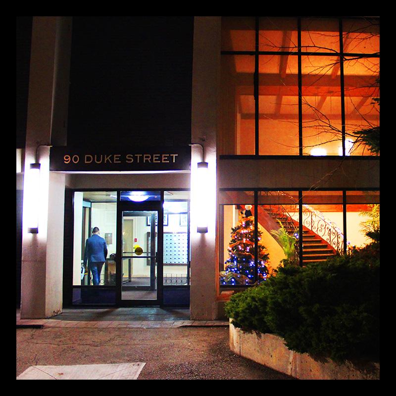 EI  Duque Apartments, Hamilton (Ont). Photo by @erskinec