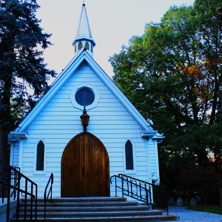 St. Luke's Anglican Church, built in 1834; Burlington (Ont). Photo by @erskinec