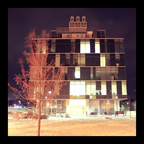 ET Building, Hamilton (Ont). Photo by @erskinec