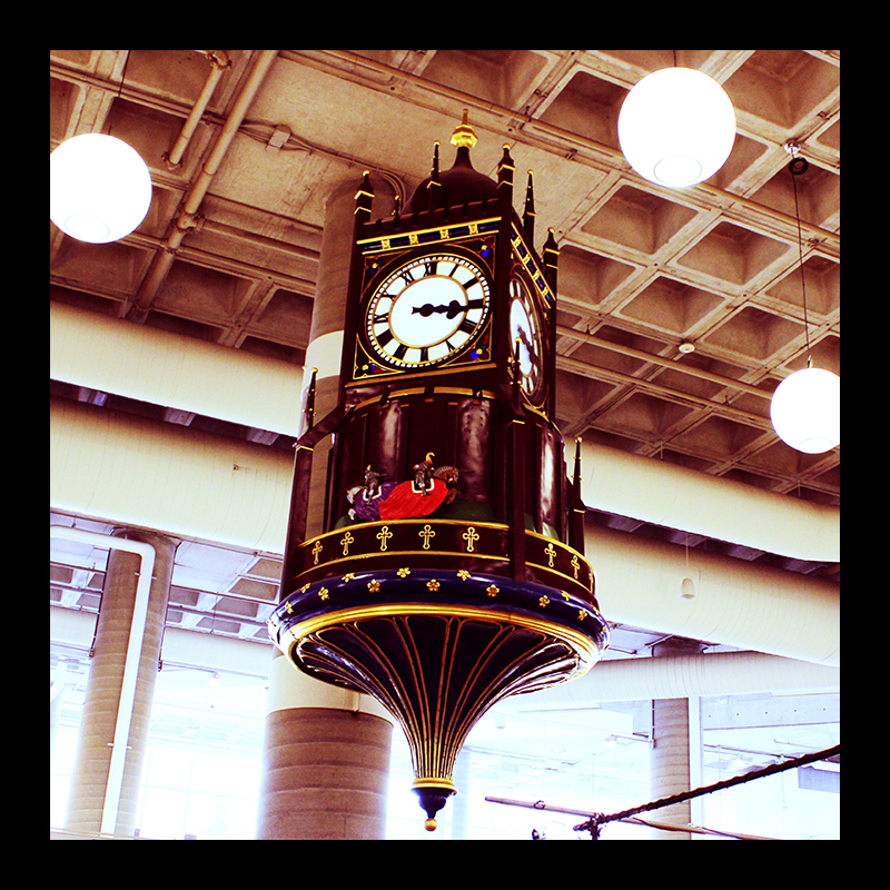 Brink's Clock, Hamilton (Ont). Photo by @erskinec