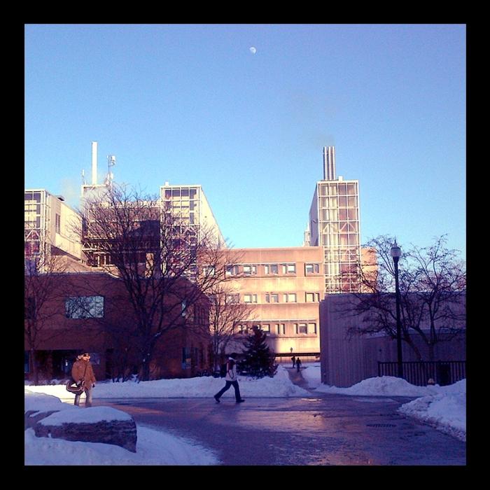 TC Building, Hamilton (Ont). Photo by @erskinec