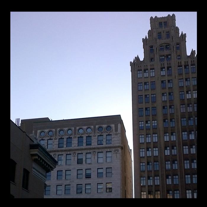 Pigott Building, Hamilton (Ont). Photo by urban landscape artist @erskinec