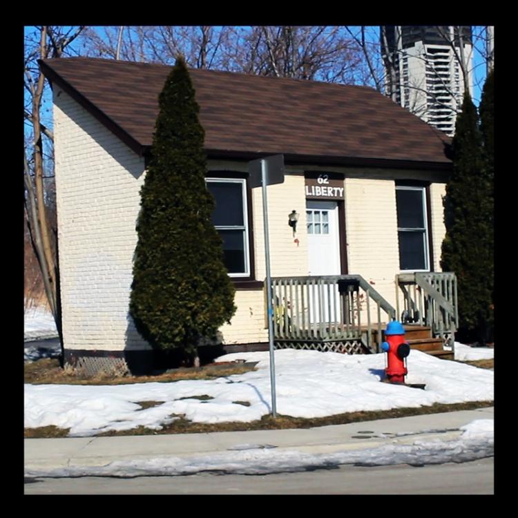 Irish Laborer's 19th Homes, 62 Liberty Street, Hamilton (Ont). Photo by @erskinec