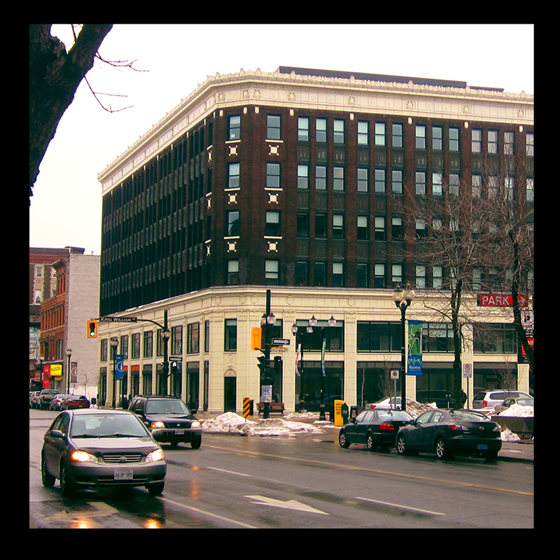 Lister Building, Hamilton (Ont). Photo by @erskinec